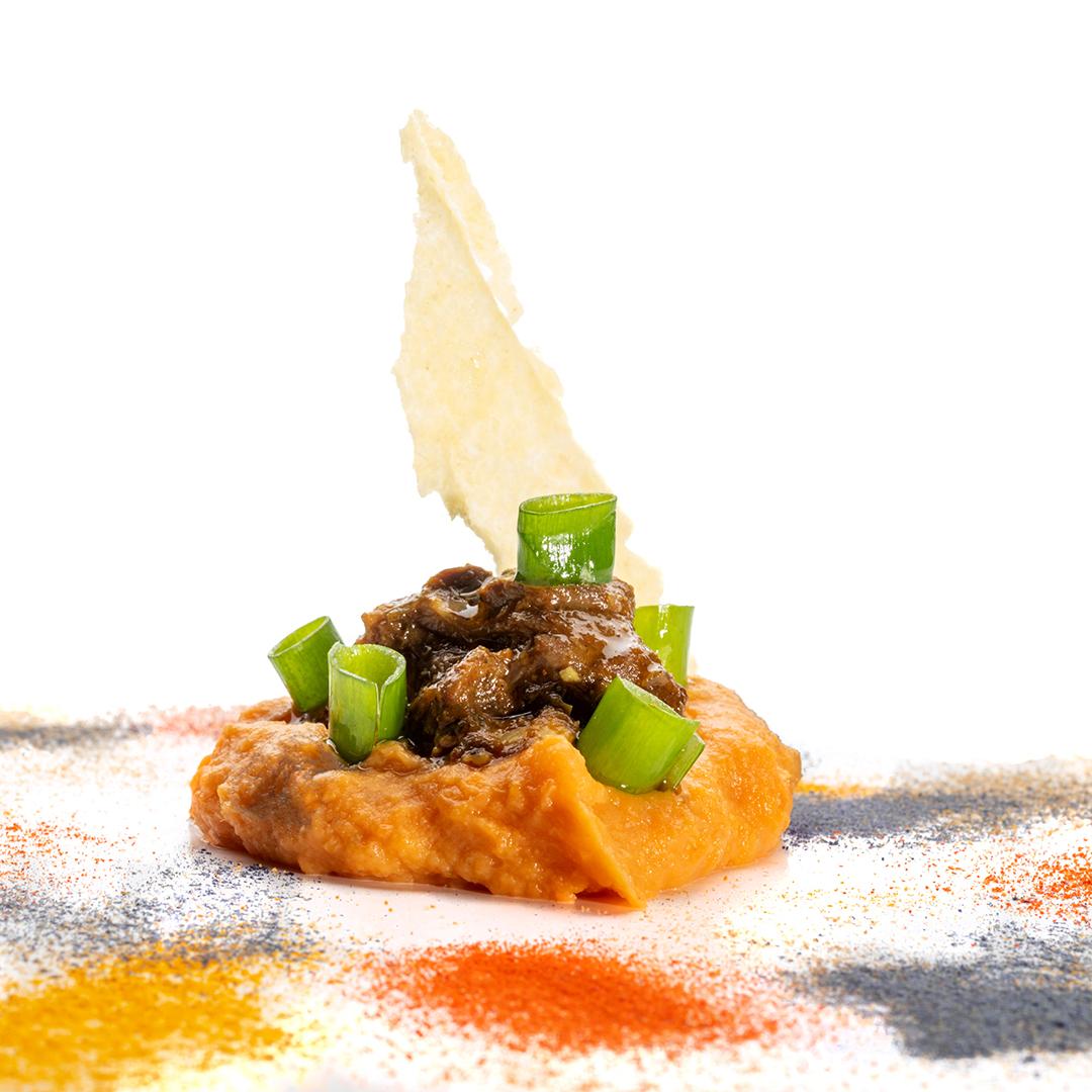 Cordero con especias marroquís sobre crema de batata Tatema EnLavapiés
